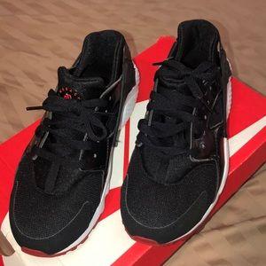 Nike shoes (Huaraches)